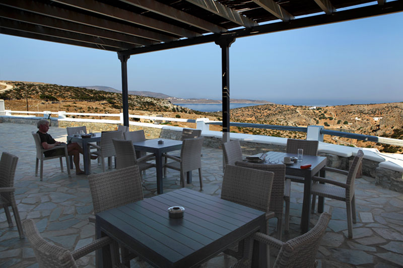Hotel Iliovasilema - Enjoy your breakfast with the best view